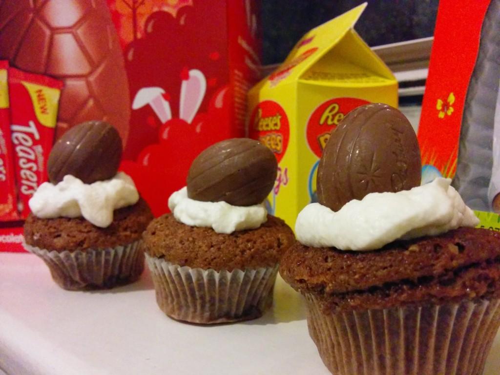 Mini creme egg cupcakes